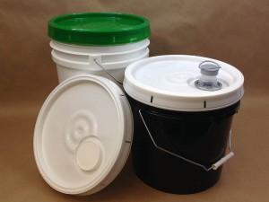 plastic_pails_various_covers